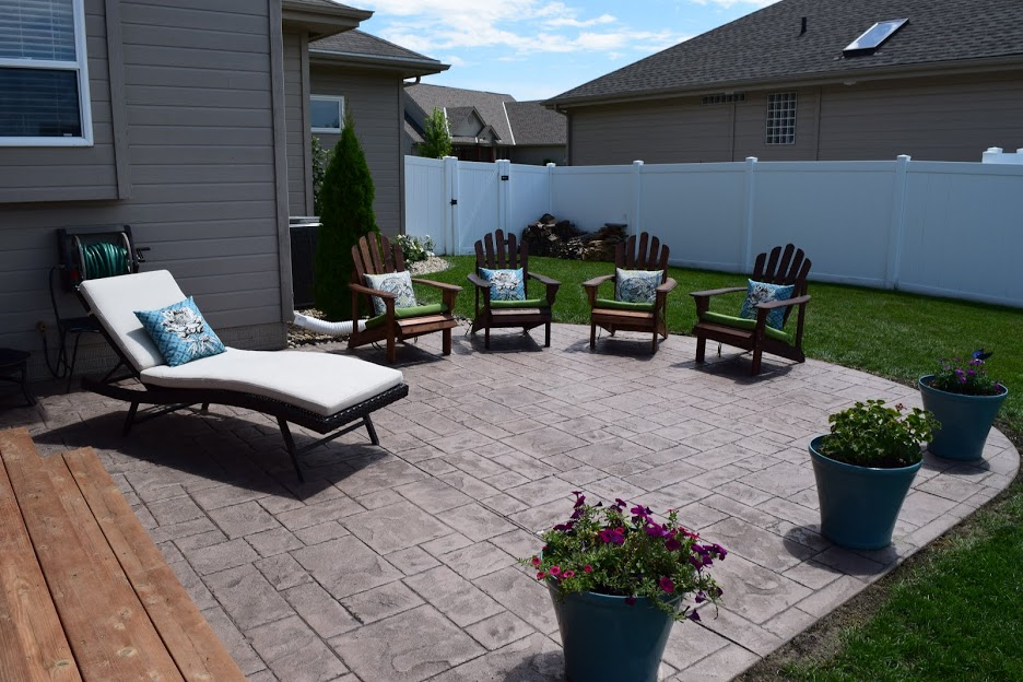 Finished and decorated stamped patio